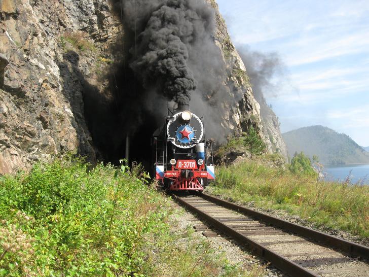 6 крутых фактов о Байкале, которые убедят вас, что следующий отпуск стоит провести в Сибири