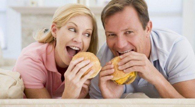 Замужние женщины легче набирают вес