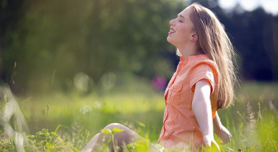 Клещи, обезвоживание, ожоги: 8 простых идей, которые помогут сделать наступающее лето самым здоровым