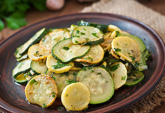Вкуснейшие салаты, которые можно есть только летом