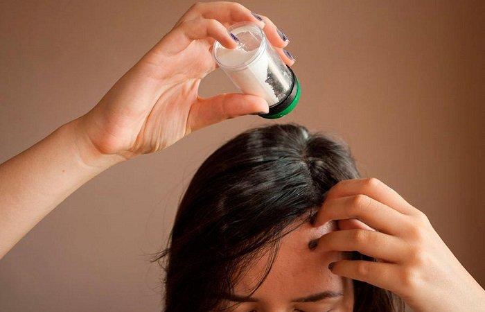 Щепотка соли в шампуне: секрет, который не помешает знать девушке, чтобы заботиться о красоте волос