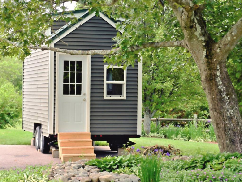 Минимализм как стиль жизни: как живут люди, обменявшие свои дома на крошечные домики (фото)