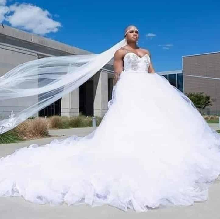 Свадьба культуристки: что больше привлекает внимание  платье или ее мышцы