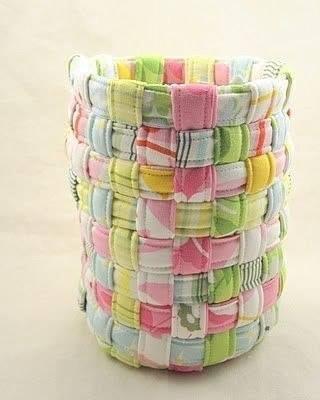 Плетём корзинку из полосок ткани