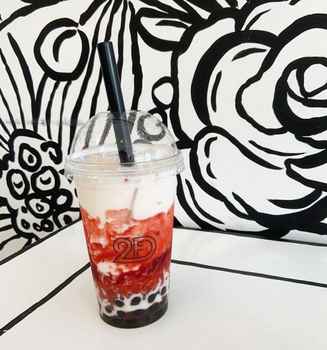 -2D Cafe- в Токио выглядит как иллюстрация к комиксу, но пообедать в нем можно по-настоящему
