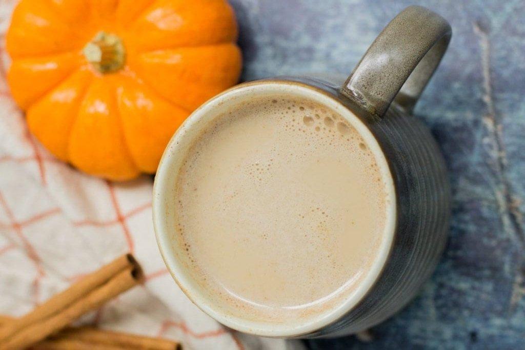 Латте из тыквы и кленового сиропа: лучшее начало осеннего дня