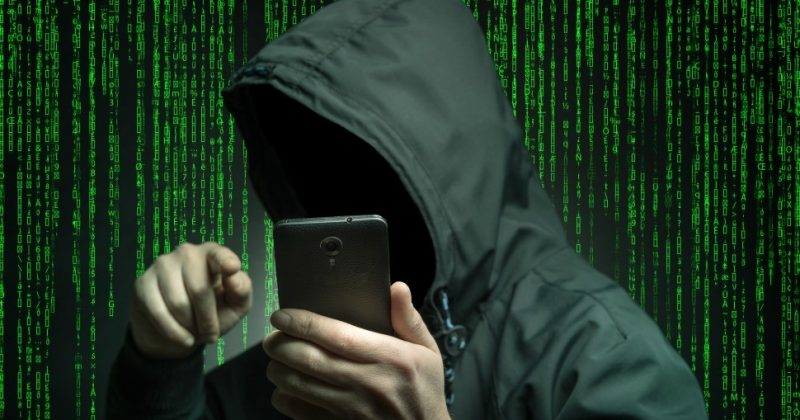 Шпионят за вами, воруют пароли, навязывают ненужные покупки: приложения для смартфона, которые нужно удалить, пока они вас не разорили