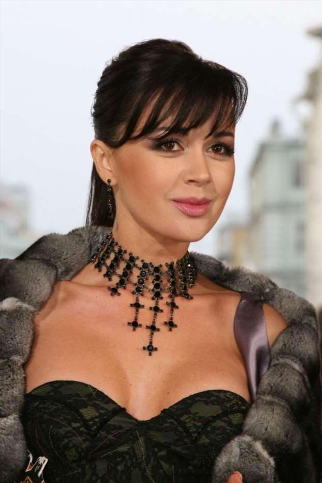Надежда есть: друг Анастасии Заворотнюк рассказал, что состояние актрисы улучшилось