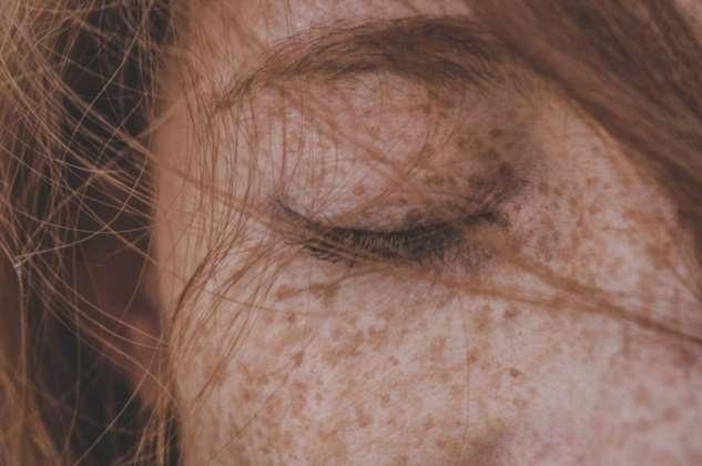 «Она умела читать по уголку его брови». Пронзительный текст о безграничной женской заботе