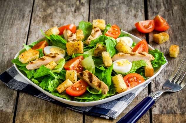 Как приготовить салат «Цезарь»