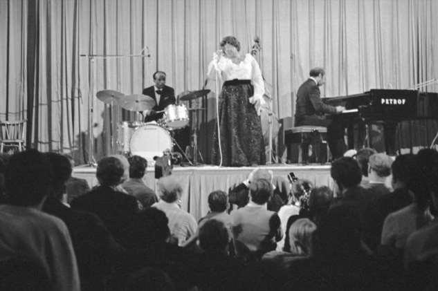 Элла Фицджеральд: изсмотрительницы борделя вкоролевы джаза