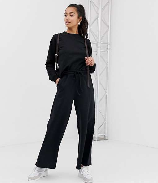 Модели модных брюк для девушек маленького роста