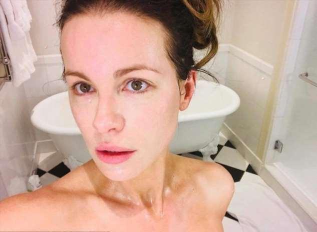 Почему Кейт Бекинсейл выглядит на 30 в свои 46 (И эти секреты неувядающей молодости доступны каждой)