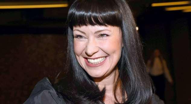 «Шикарная девушка»: 48-летняя Нонна Гришаева впервые задолгое время снялась вбикини