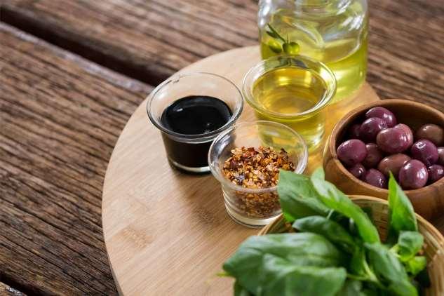 Чем заменить майонез в салате