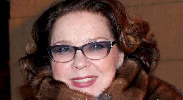 «Лавровый венок длябабушки»: Стас Садальский показал фото 80-летней Ларисы Голубкиной свнуками