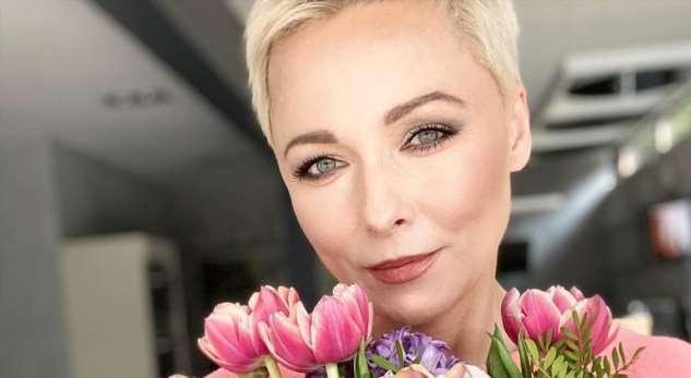 «Мама-теща приехала кдетям»: Дарья Повереннова показала 27-летнюю дочь смужем