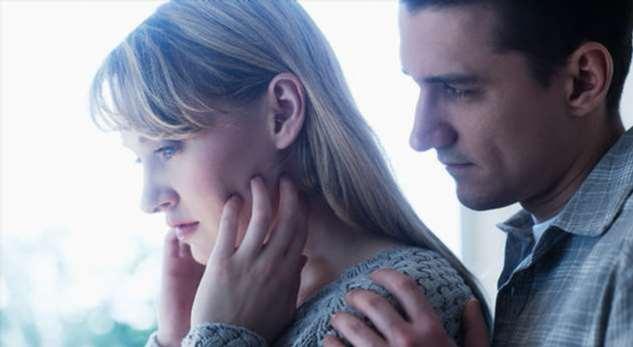 Насилие на мягких лапках: признаки, что вам «причиняют добро